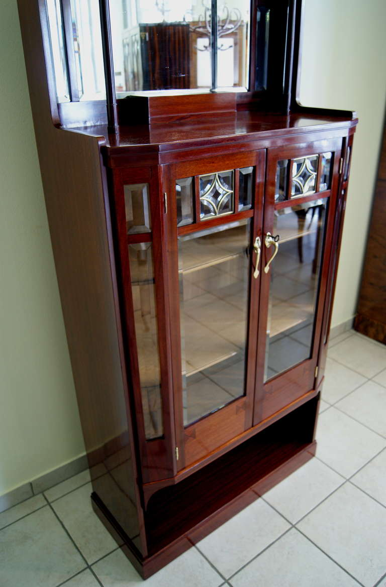 Art Nouveau Vertiko Glass Cabinet with Doors, Vienna, circa 1900 For Sale 3