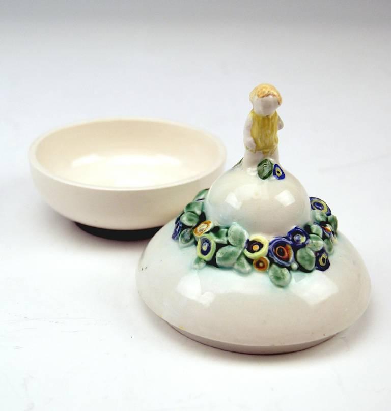 Bertold Löffler Vienna Lidded Round Bowl with Cherub En Miniature, circa 1912 In Excellent Condition For Sale In Vienna, AT