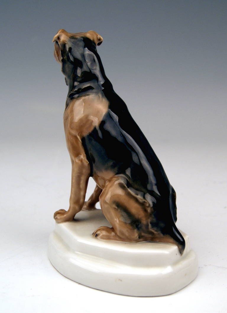Meissen Lovely Dog Figurine Terrier by Paul Walther made c. 1935 In Excellent Condition For Sale In Vienna, AT