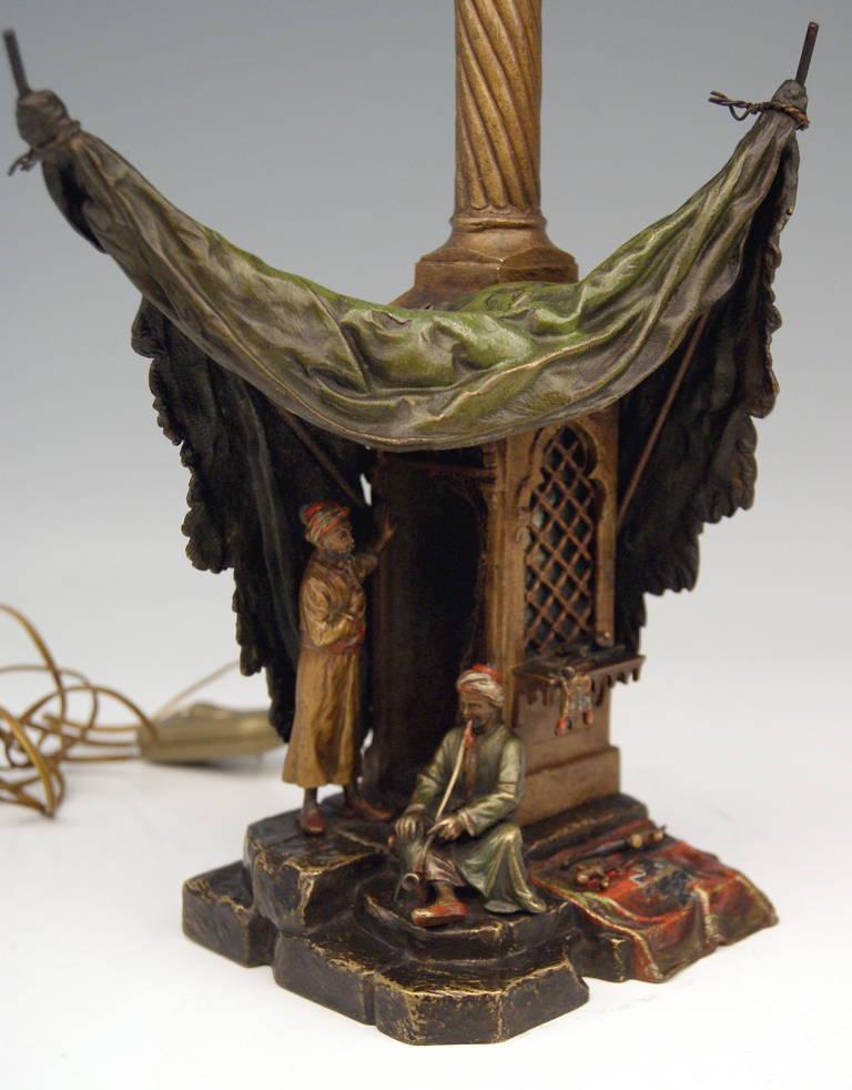 Vienna Bronze Table Lamp Vintage by Franz Bergman Smoking Arab Man, circa 1890 In Good Condition For Sale In Vienna, AT