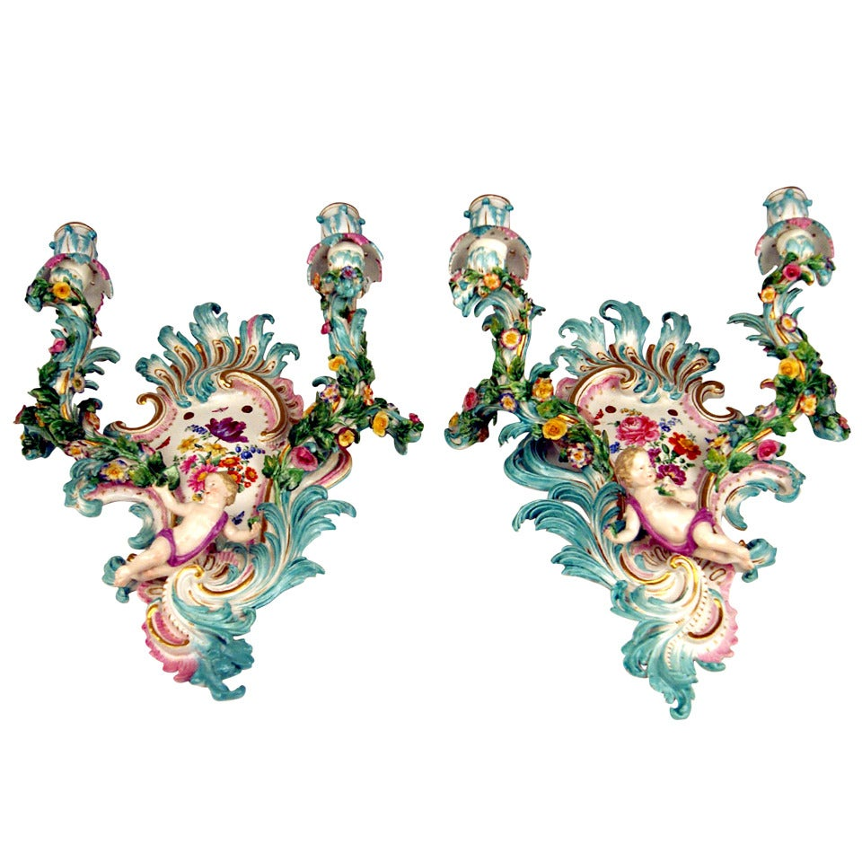 Meissen Pair of Sconces Flowers and Cherubs Vintage Made, circa 1860-1870 For Sale