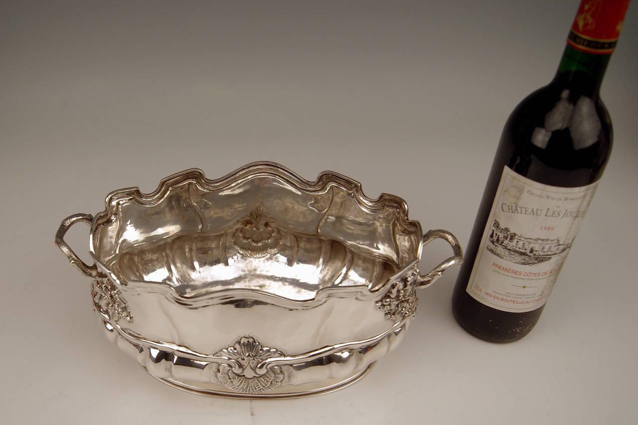 Silver Swiss Wine Cooler Bottle Holder made in Geneva, Switzerland, circa 1900 For Sale 1