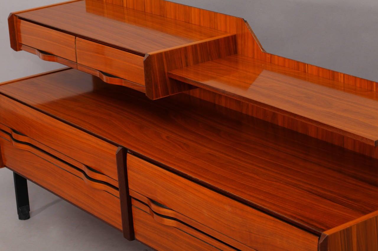 Italian mid century modernist sideboard for sale at 1stdibs for Mobili buffet moderni