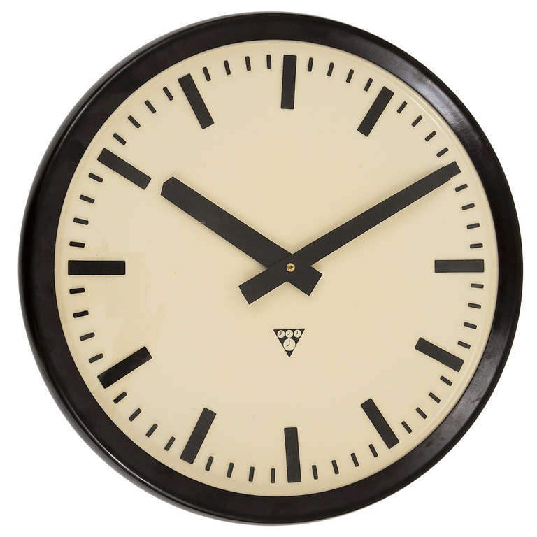 Very big bakelite industrial train station wall clock at for Train station style wall clock