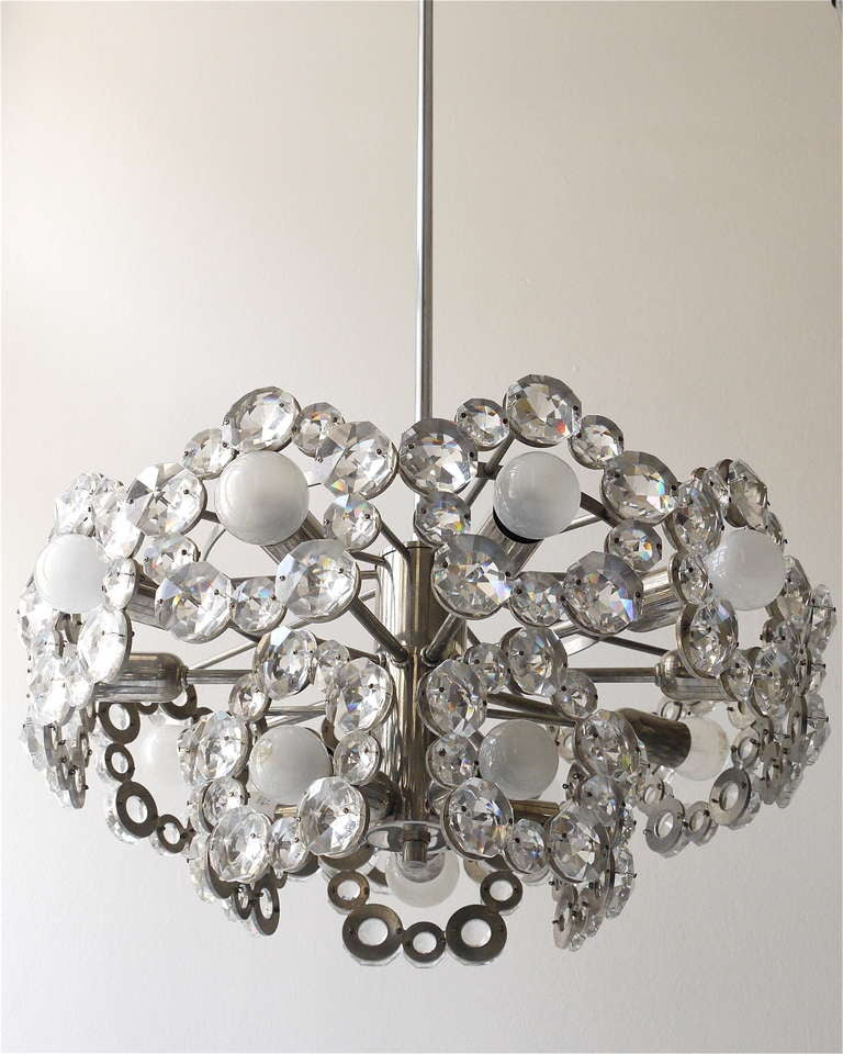 Lobmeyr Austria Chandelier with Big Faceted Crystals from the 1960s In Good Condition For Sale In Vienna, AT