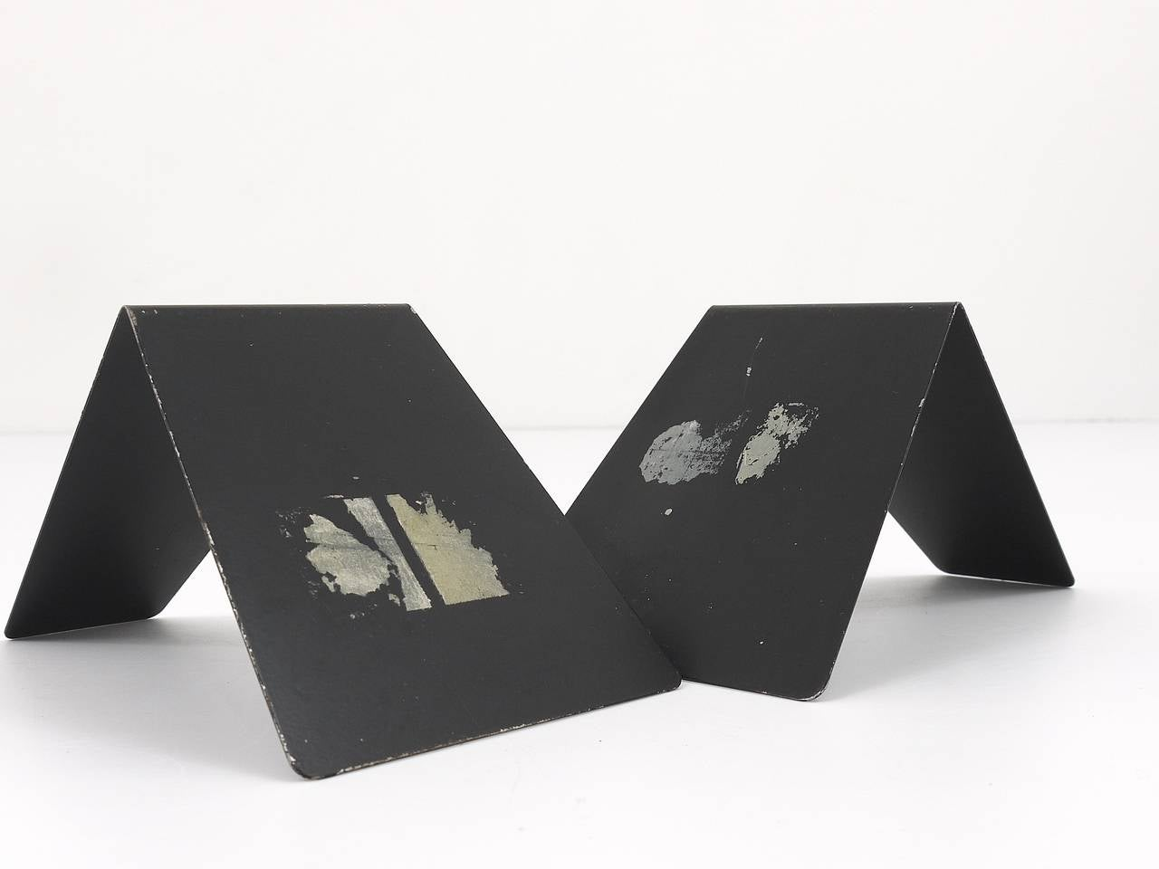Bauhaus Black Metal Bookends by Marianne Brandt, 1930s for Ruppel, Germany For Sale 4