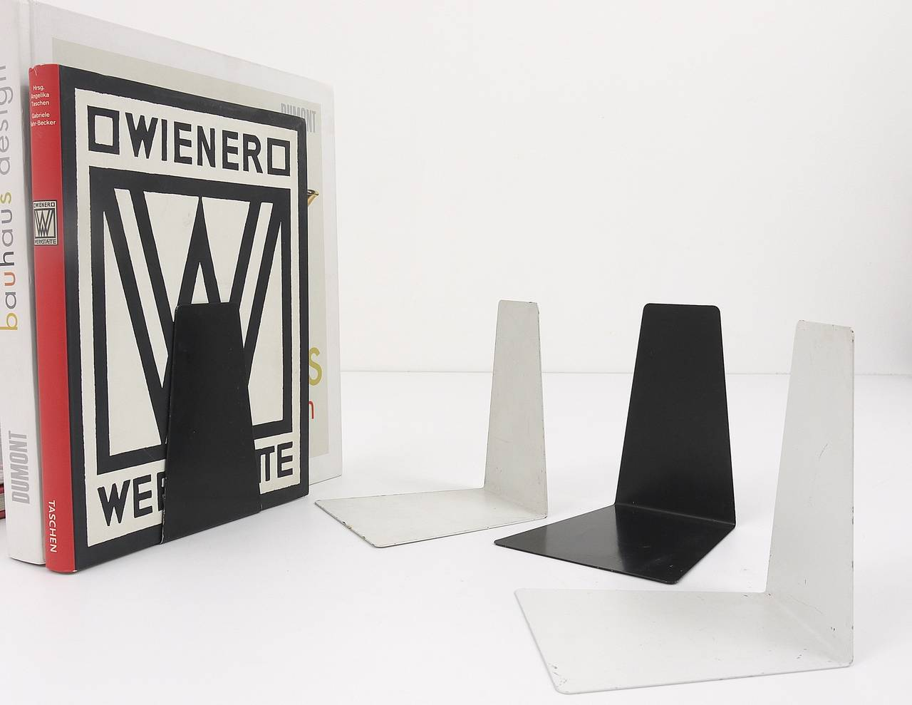 Bauhaus Black Metal Bookends by Marianne Brandt, 1930s for Ruppel, Germany For Sale 5