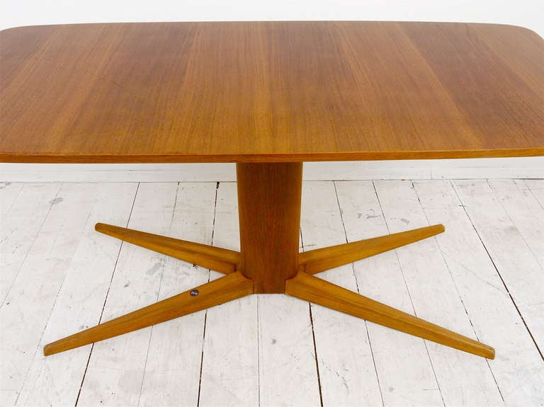 A Charming Coffee Table by Oswald Haerdtl, Austria, 1950s In Excellent Condition For Sale In Vienna, AT