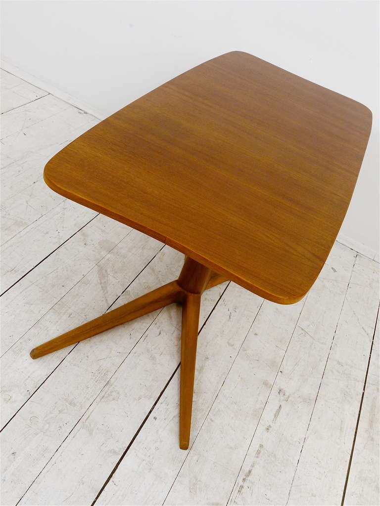 A Charming Coffee Table by Oswald Haerdtl, Austria, 1950s For Sale 3