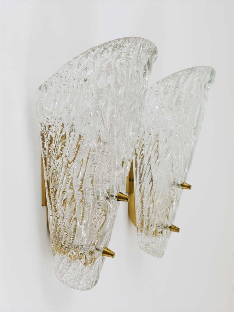 Austrian Pair of Kalmar Mid-Century Brass Glass Sconces Wall Lamps, Austria, 1950s For Sale