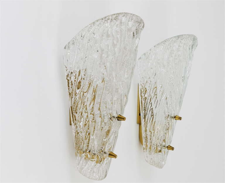 Pair of Kalmar Mid-Century Brass Glass Sconces Wall Lamps, Austria, 1950s In Excellent Condition For Sale In Vienna, AT