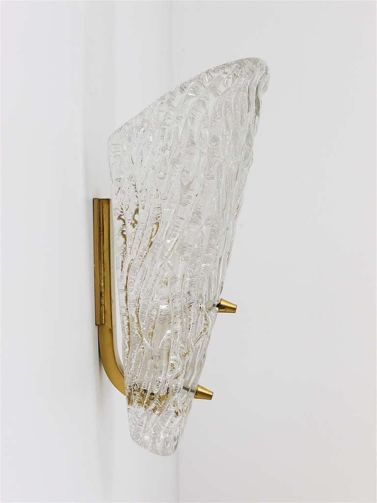 Pair of Kalmar Mid-Century Brass Glass Sconces Wall Lamps, Austria, 1950s For Sale 2