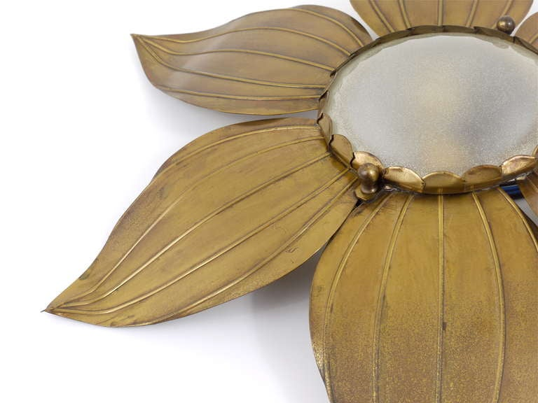 Pair of French Floral Leaves Brass Sconces Sunburst Flower Leaf Wall Lamps, 1950 For Sale 2