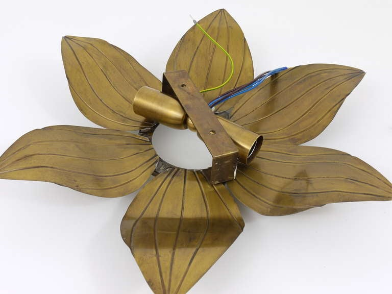 Pair of French Floral Leaves Brass Sconces Sunburst Flower Leaf Wall Lamps, 1950 For Sale 4