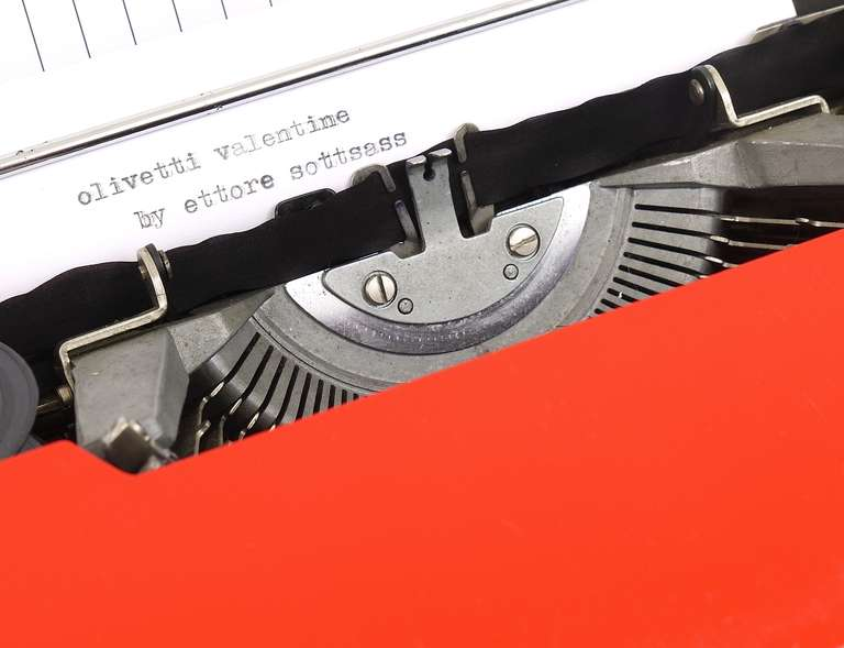 Valentine Typewriter by Ettore Sottsass & Perry A. King for Olivetti 1969 For Sale 2