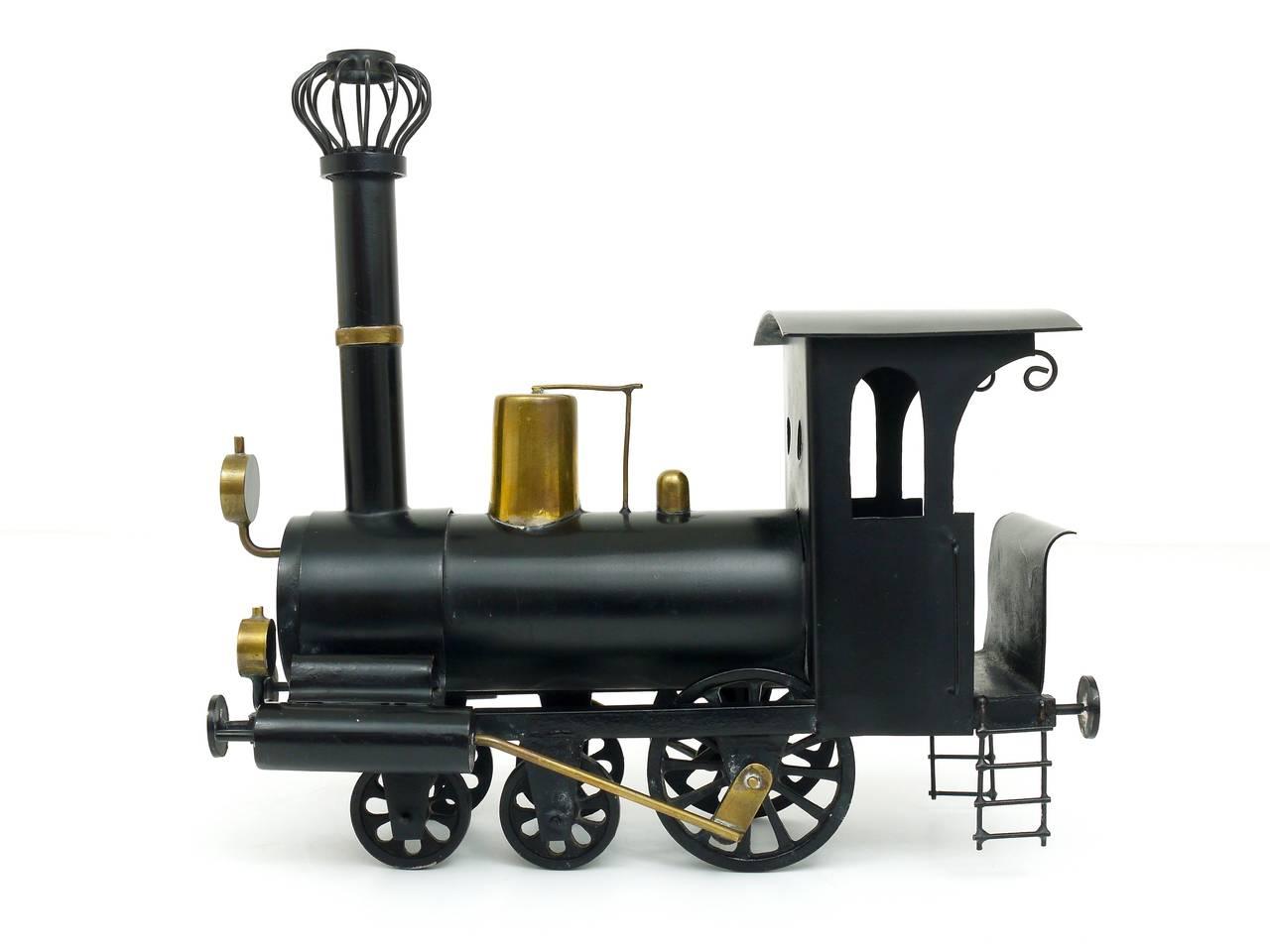 Rare WHW Hagenauer Brass Locomotive Steam Engine, Austria, 1920s In Excellent Condition For Sale In Vienna, AT