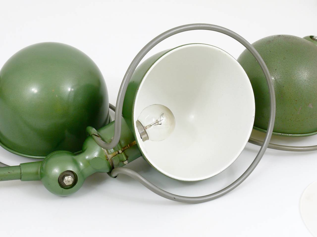 Two Matching Jean Louis Domecq for Jielde Lyon Industrial Clamp Lamps, 1950s In Excellent Condition For Sale In Vienna, AT