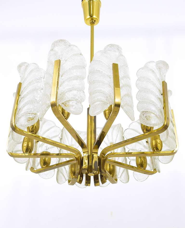 Carl Fagerlund Mid-Century Glass Leaves Brass Chandelier by Orrefors, 1950s For Sale 1