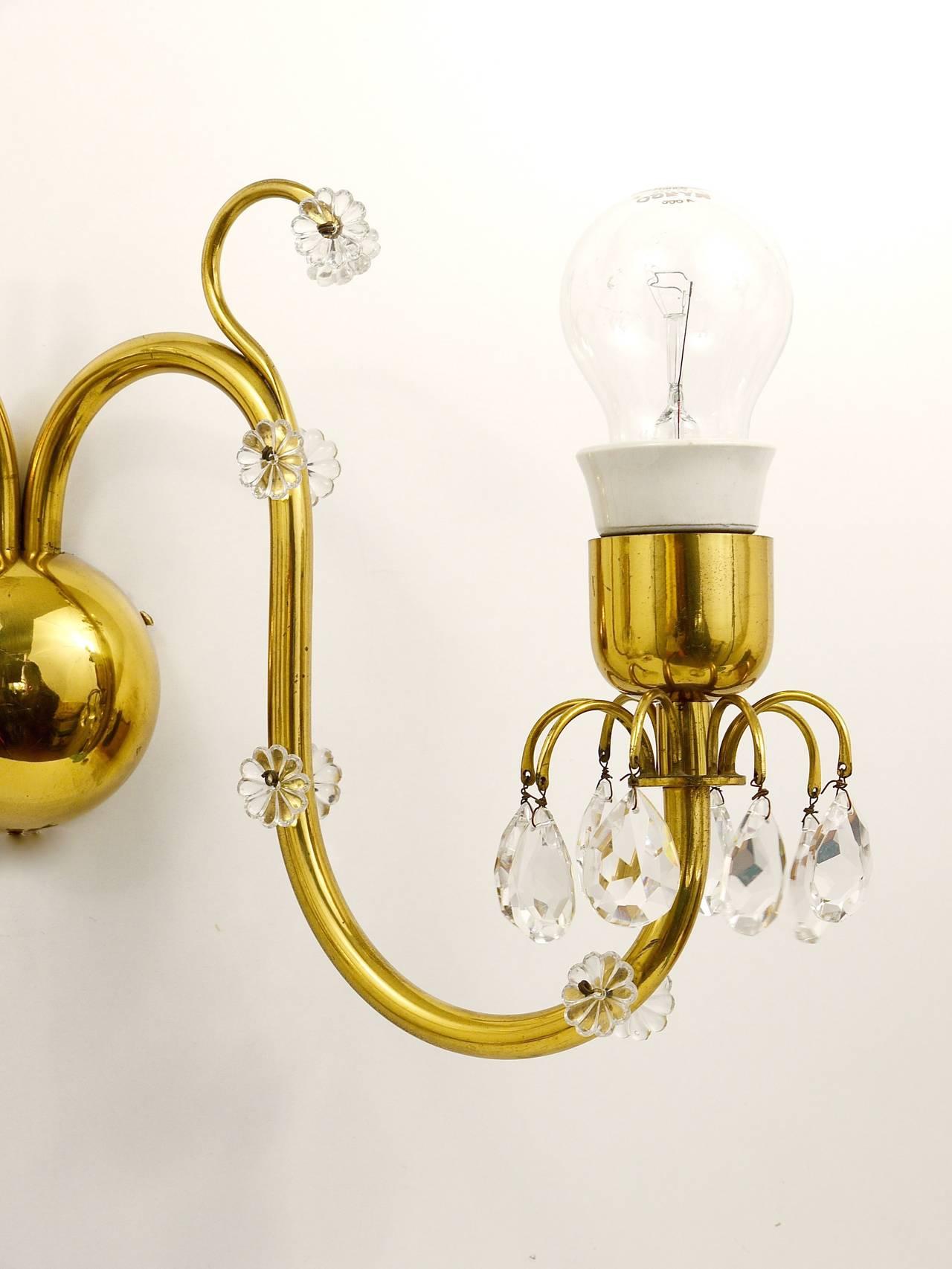 Mid-Century Modern Beautiful Huge Lobmeyr Vienna Brass Crystal Sconce Wall Light, Austria, 1950s For Sale