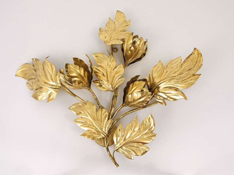 Big Italian Gilt Metal Leaves Wall Sconce, 1970s, Hollywood Regency Style at 1stdibs