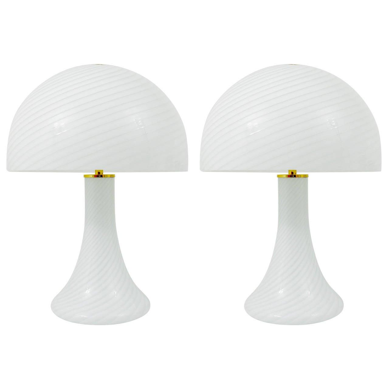 Pair of Kalmar Murano Glass and Brass Mushroom Lamps by Vistosi, 1960s