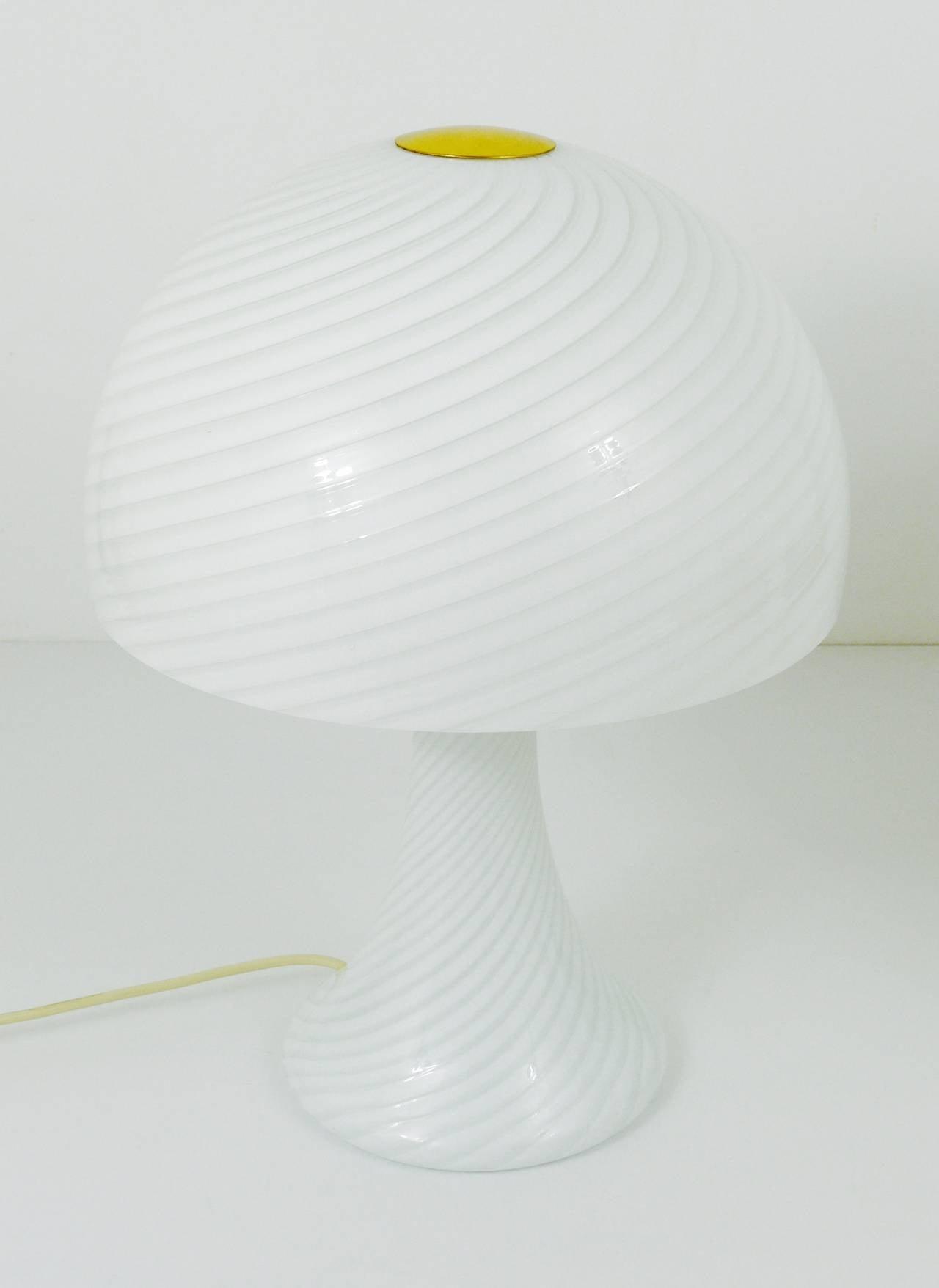 Austrian Pair of Kalmar Murano Glass and Brass Mushroom Lamps by Vistosi, 1960s For Sale