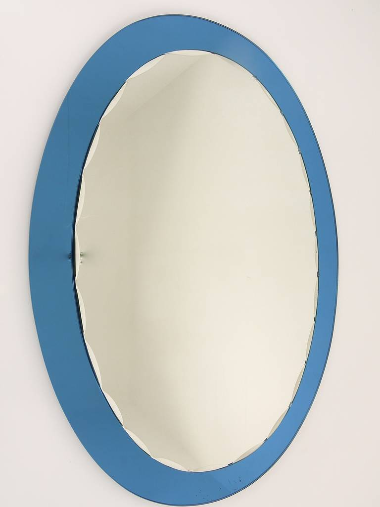 Blue Oval Scalloped Crystal Arte Wall Mirror, Italy, 1960s In Excellent Condition For Sale In Vienna, AT