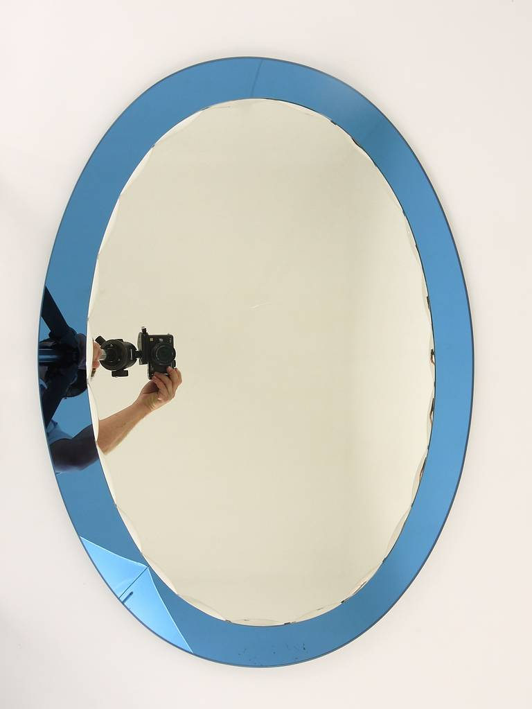 Mid-20th Century Blue Oval Scalloped Crystal Arte Wall Mirror, Italy, 1960s For Sale