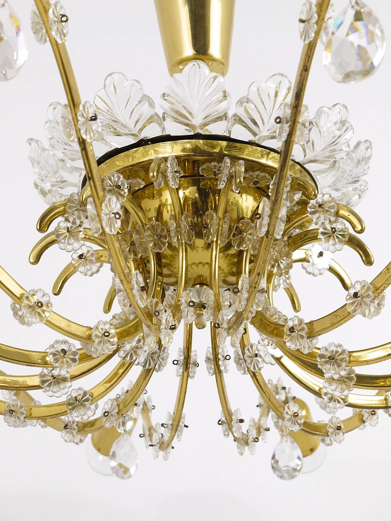 Huge Floral Lobmeyr Mid-Century Brass Crystal Chandelier, 1950s, Austria For Sale 3