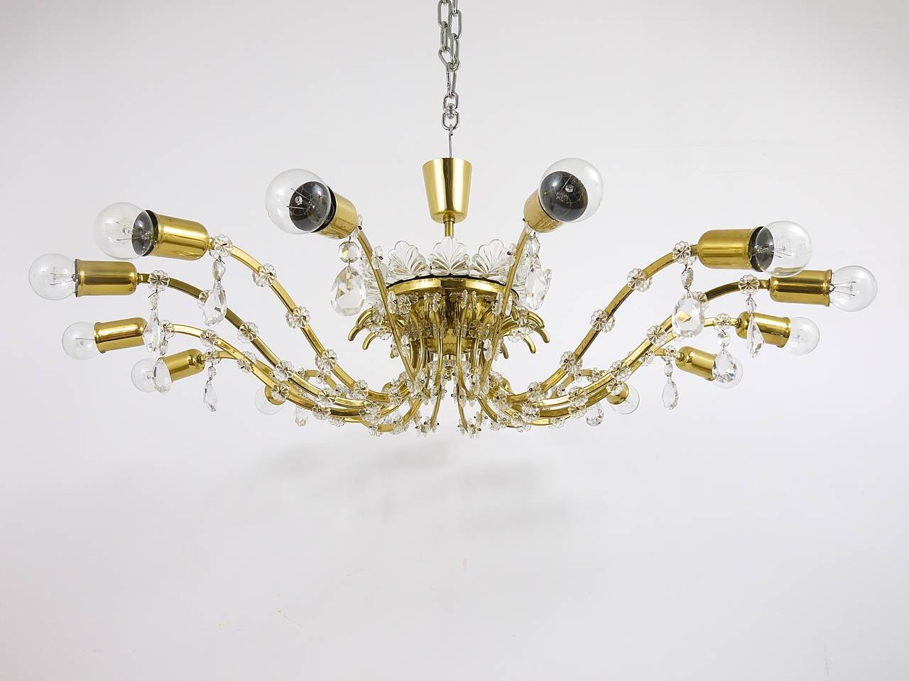 Huge Floral Lobmeyr Mid-Century Brass Crystal Chandelier, 1950s, Austria For Sale 5
