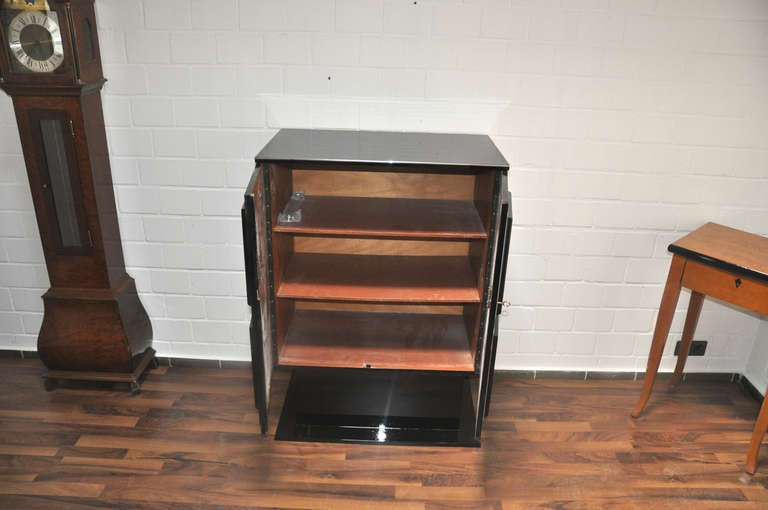Petite Art Deco Cabinet/Bar with High Gloss Black Finish For Sale 2