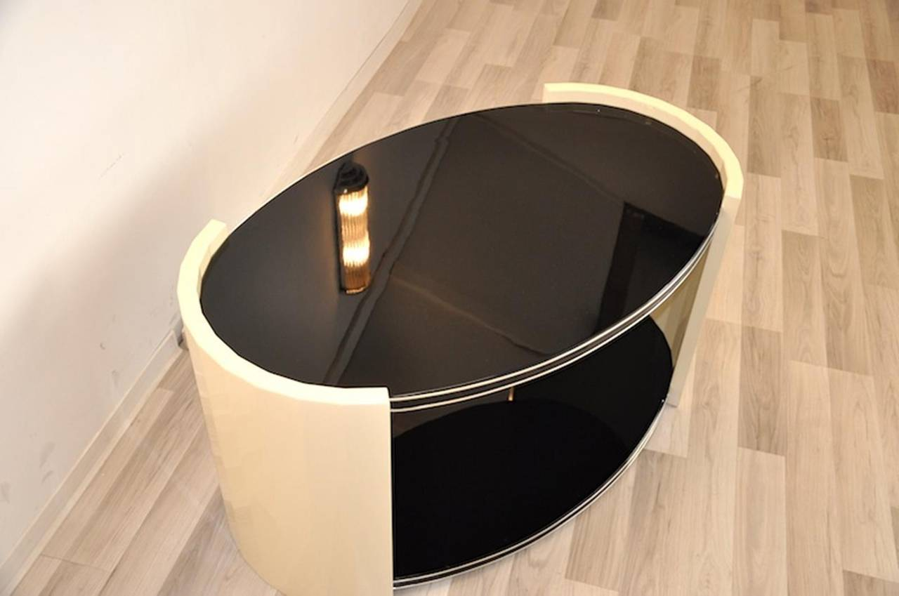 Oval Art Deco Side Table For Sale at 1stdibs
