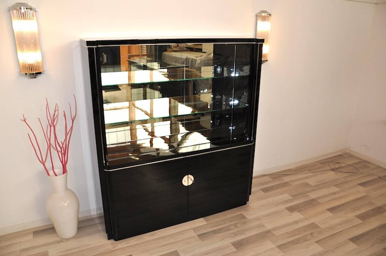 art deco display cabinet with a groove and lighting for. Black Bedroom Furniture Sets. Home Design Ideas