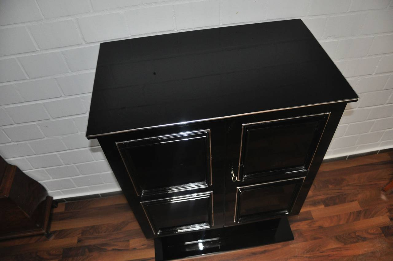 Mid 20th Century Art Deco Dry Bar / Cabinet For Sale