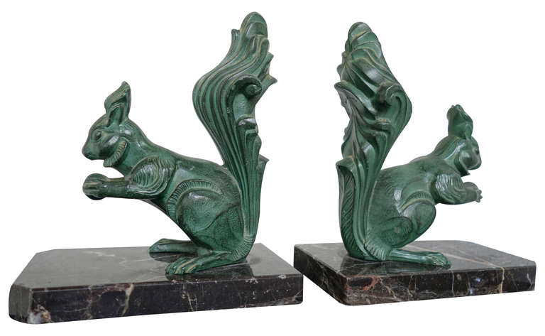 Great Pair of Art Deco Squirrel Bookends, French, 1930s In Good Condition For Sale In Vail, CO
