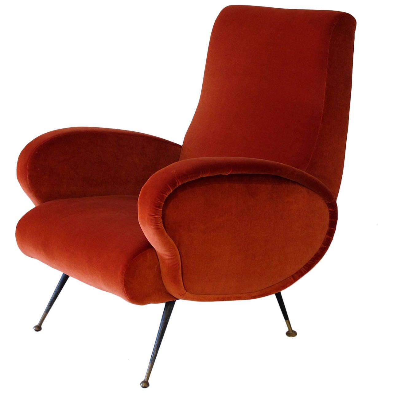 Mid century modern italian 1950s armchair at 1stdibs for Mid century modern armchairs