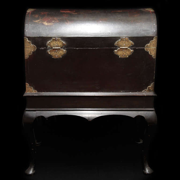 18th c  English Trunk, chinese laque 4