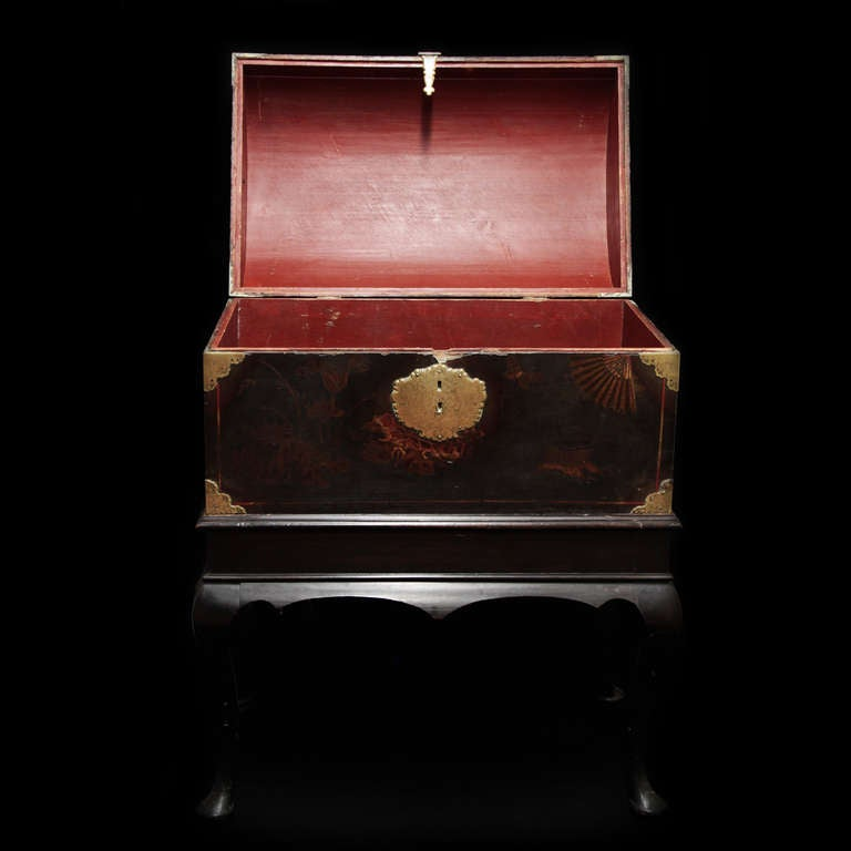 18th c  English Trunk, chinese laque 6