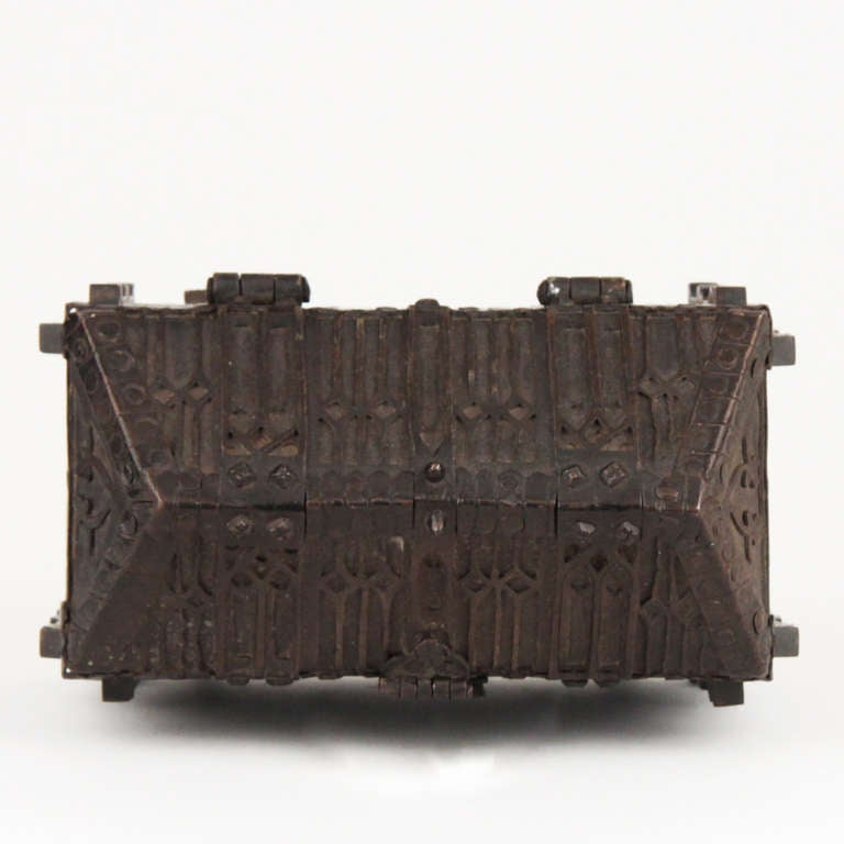 French Gothic Revival Wrought Iron Casket circa 1850 For Sale 2