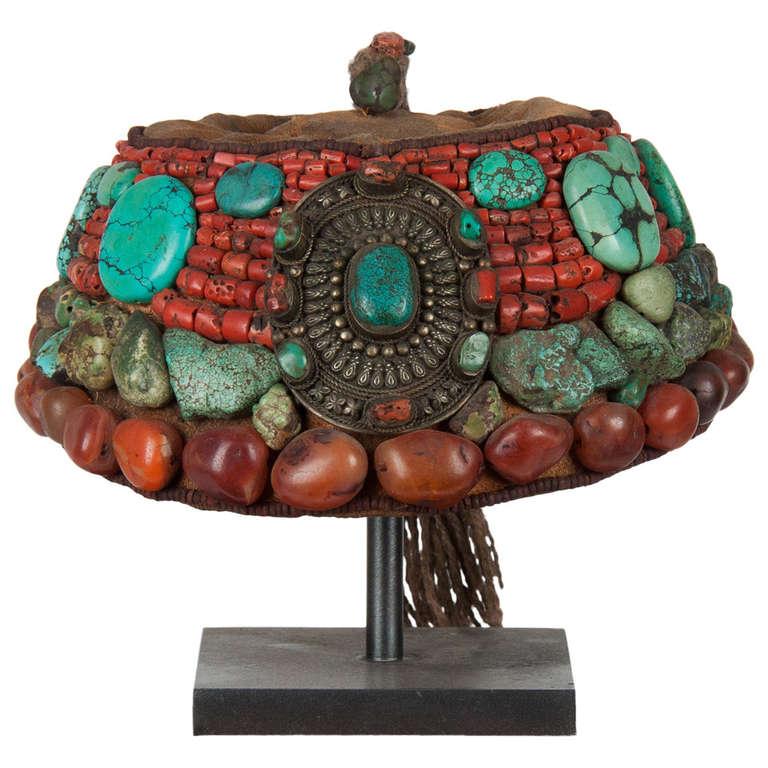 2nd part 19 th century Tibetan beaded cap  with semi-precious stones For Sale