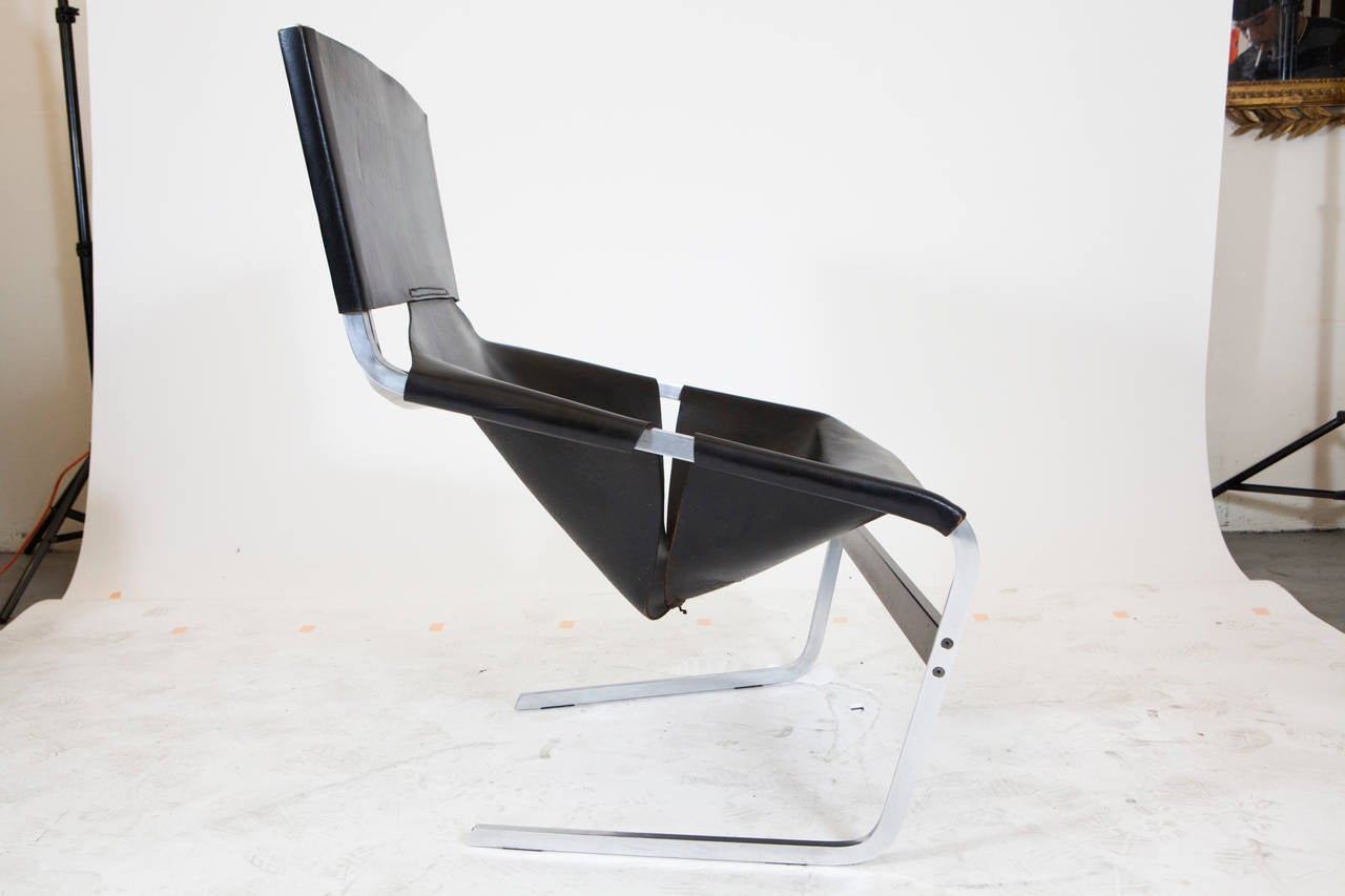 Minimalist Pierre Paulin Leather Lounge Chair For Sale