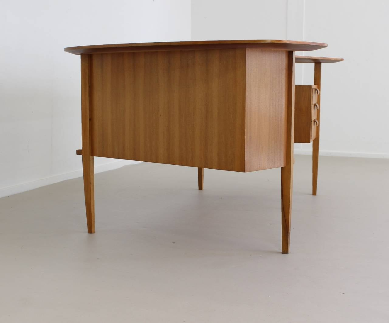 custom standing desk kidney shaped mid. 1950s German Design Kidney Shaped Large Desk By Hans Hartl 3 Custom Standing Mid