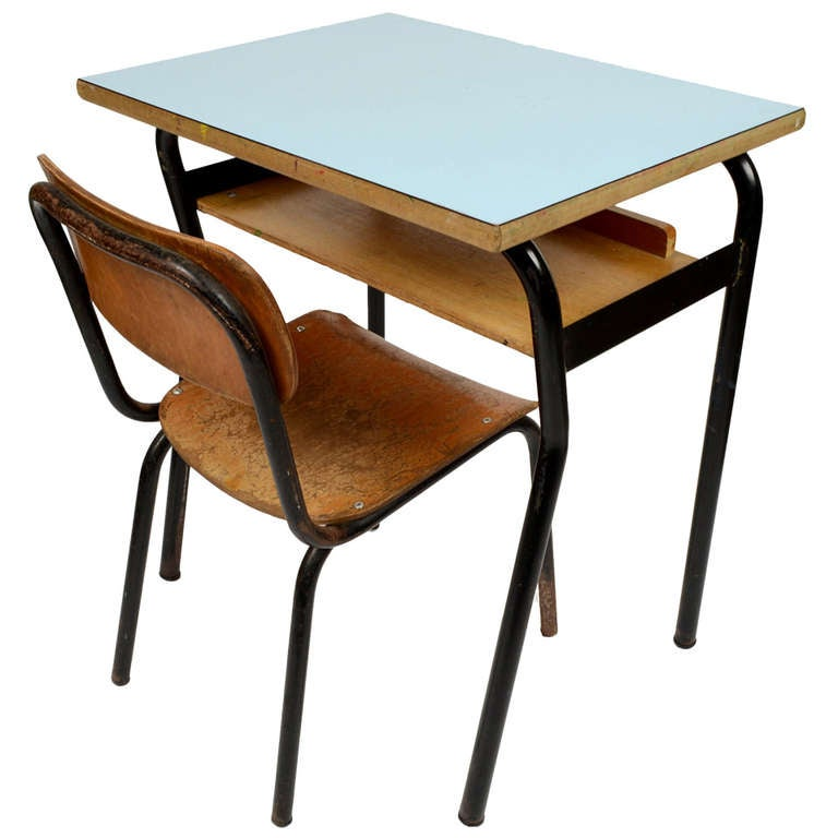 Very Nice Small School Desk And Chair, Italy, 1950s 1