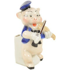 Porcelain pig signed Walt Disney Copyright made in 1950s
