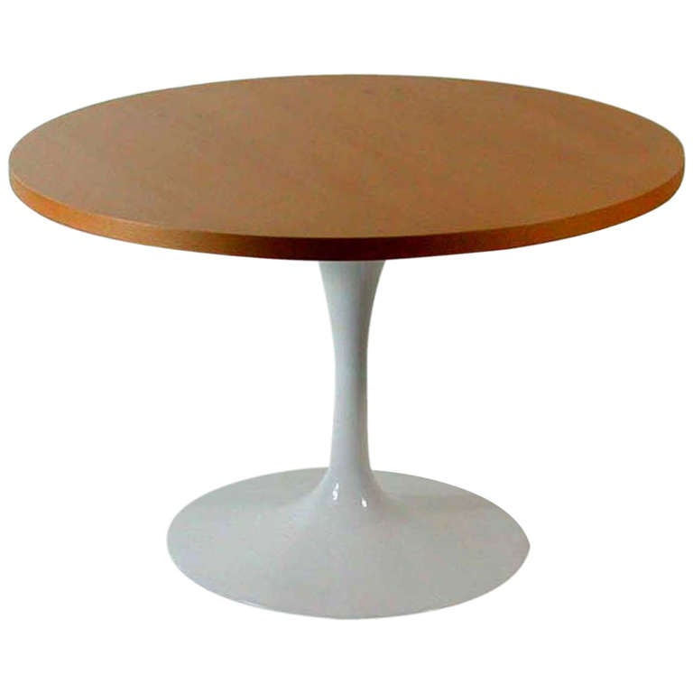mid century 1950s eero saarinen knoll coffee table tulip base at 1stdibs. Black Bedroom Furniture Sets. Home Design Ideas