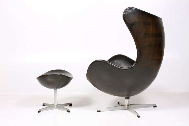egg chair with ottoman at 1stdibs. Black Bedroom Furniture Sets. Home Design Ideas