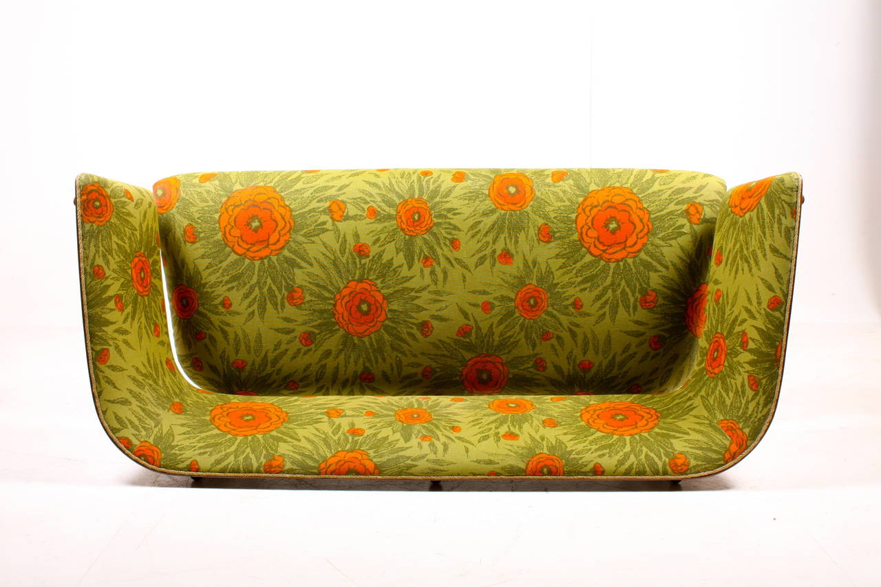 Mid-20th Century Canada Sofa by Fritz Hansen For Sale