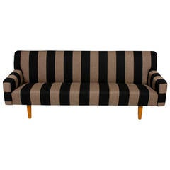 Sofa by Hans J wegner
