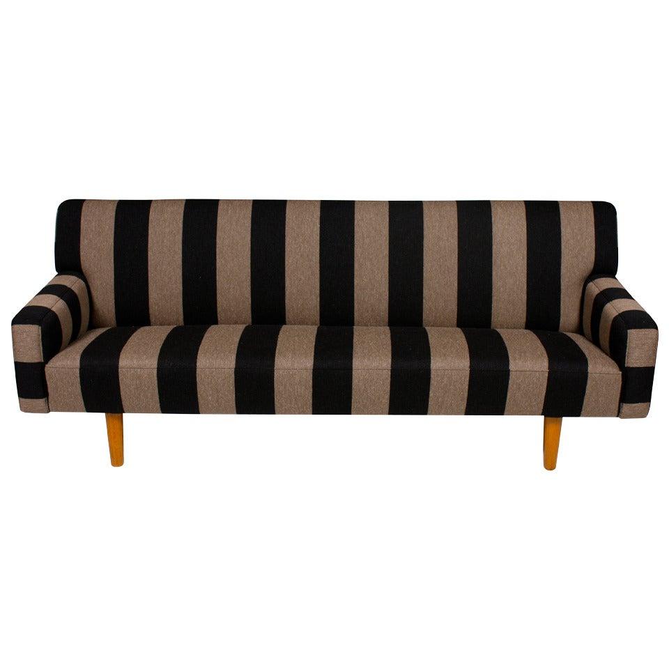 Sofa by Hans J wegner