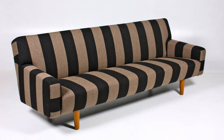 Sofa by Hans J wegner 3